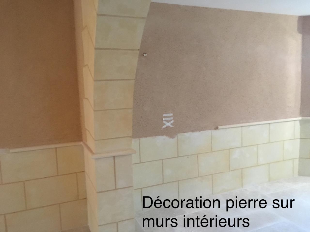 Décoration pierre sur murs intérieurs